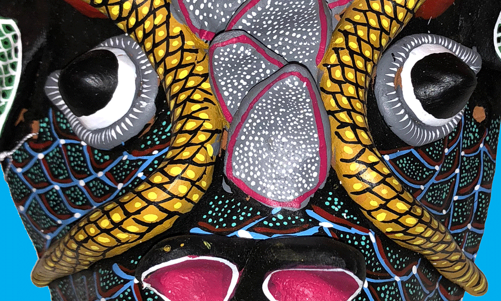 Traditional Masks/Máscaras Tradicionales